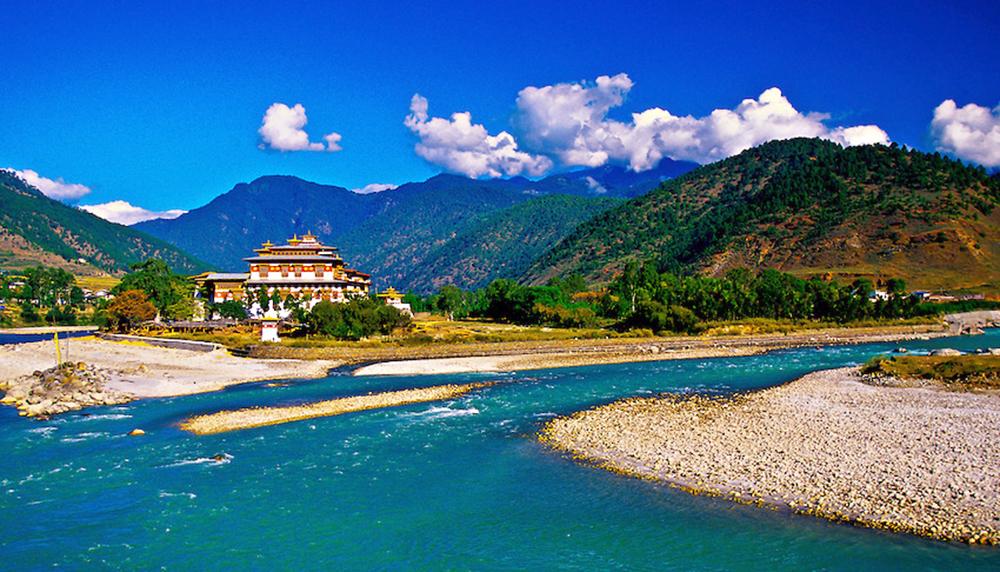 Punakha Dzong, Punakha Valley, Bhutan.